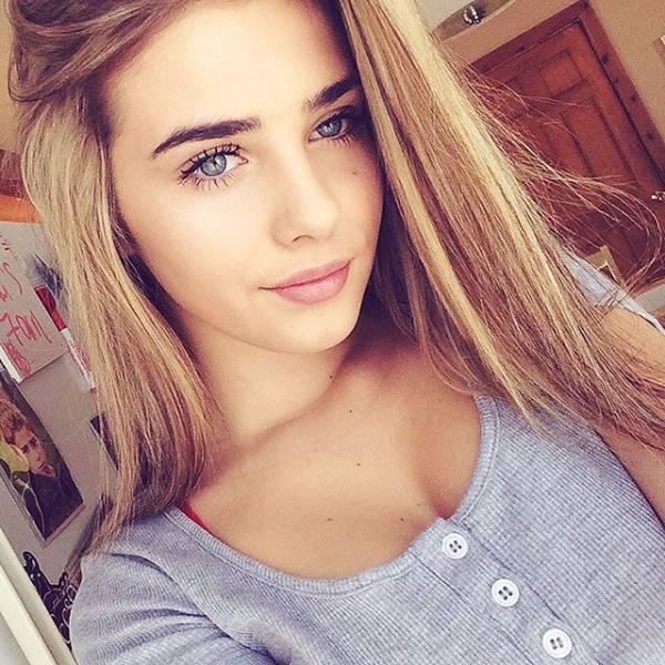 50 симпатичных девчонок